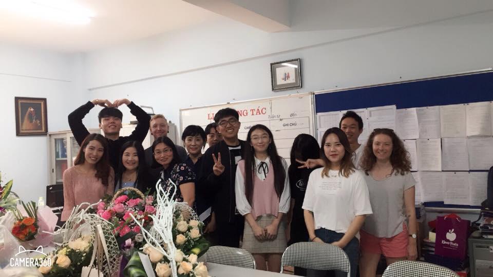 ハノイ大学にいる韓国人留学生の平均年齢は30歳?