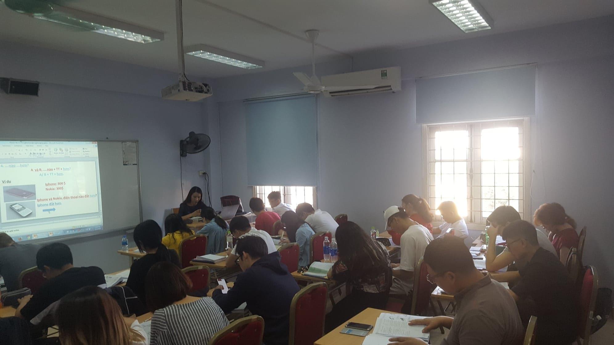ベトナムの大学院に進学する方法や、費用・入学申請手続きを徹底解説