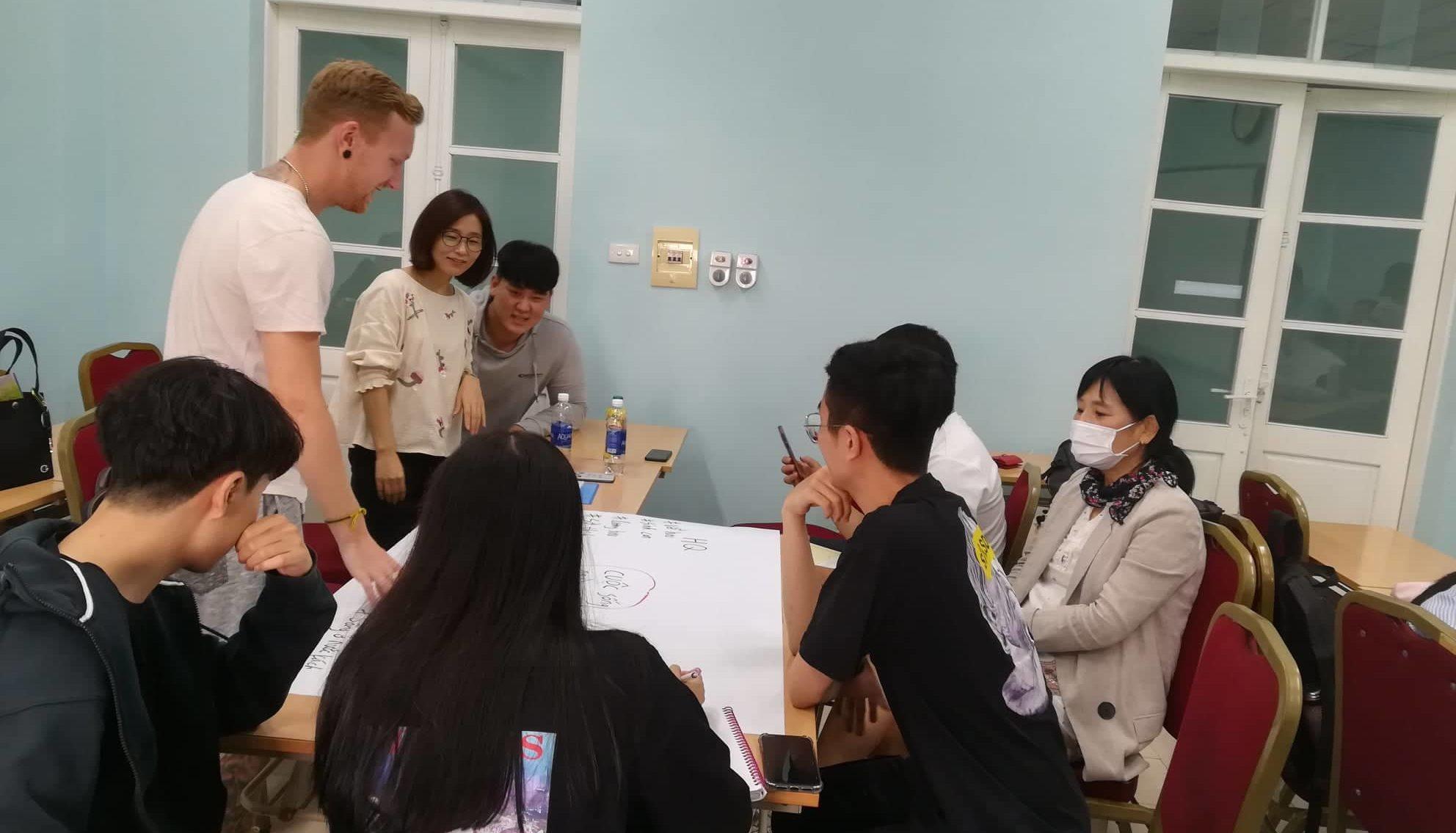 【必見】ベトナムで英語を格安で学ぶ方法とは?10日間無料で月額3千円?
